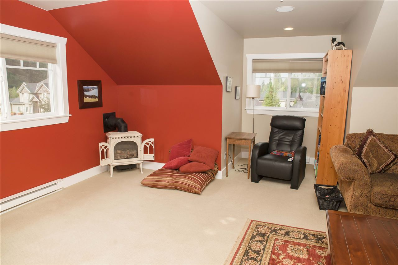 "Photo 10: 38618 CHERRY Drive in Squamish: Valleycliffe House for sale in ""RAVENS PLATEAU"" : MLS® # R2104714"