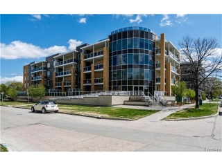 Main Photo: 760 Tache Avenue in Winnipeg: St Boniface Condominium for sale (2A)  : MLS® # 1711551