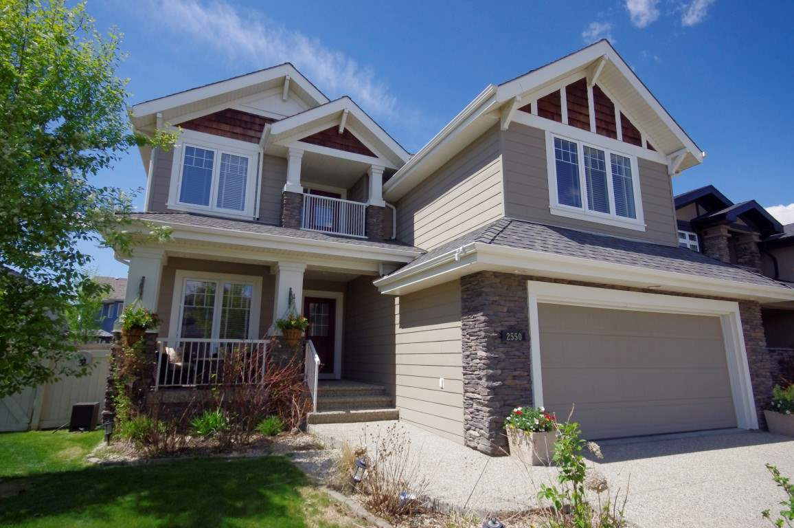 Main Photo: 2550 Cameron Ravine Landing in Edmonton: Zone 20 House for sale : MLS(r) # E4065319