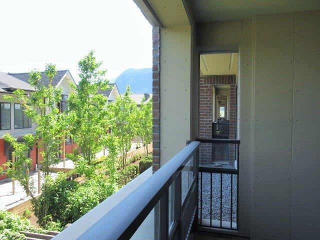 "Photo 11: 217 1211 VILLAGE GREEN Way in Squamish: Downtown SQ Condo for sale in ""Eaglewind"" : MLS® # R2170866"