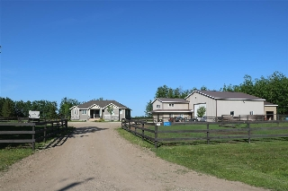 Main Photo: 102, 3510 Ste Anne Trail: Rural Lac Ste. Anne County House for sale : MLS(r) # E4066620