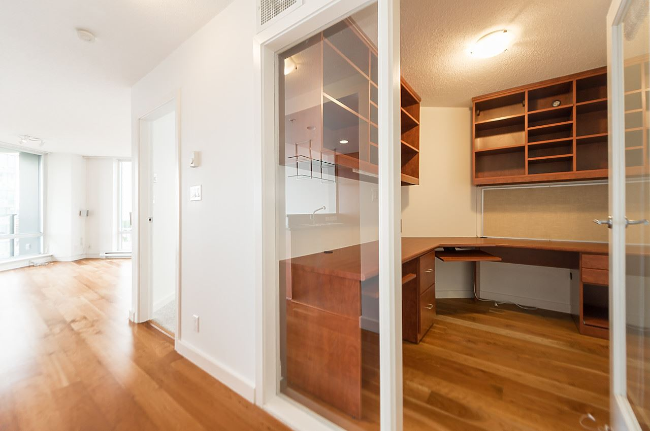 "Photo 13: 2302 583 BEACH Crescent in Vancouver: Yaletown Condo for sale in ""Park West 2 Yaletown"" (Vancouver West)  : MLS(r) # R2179212"