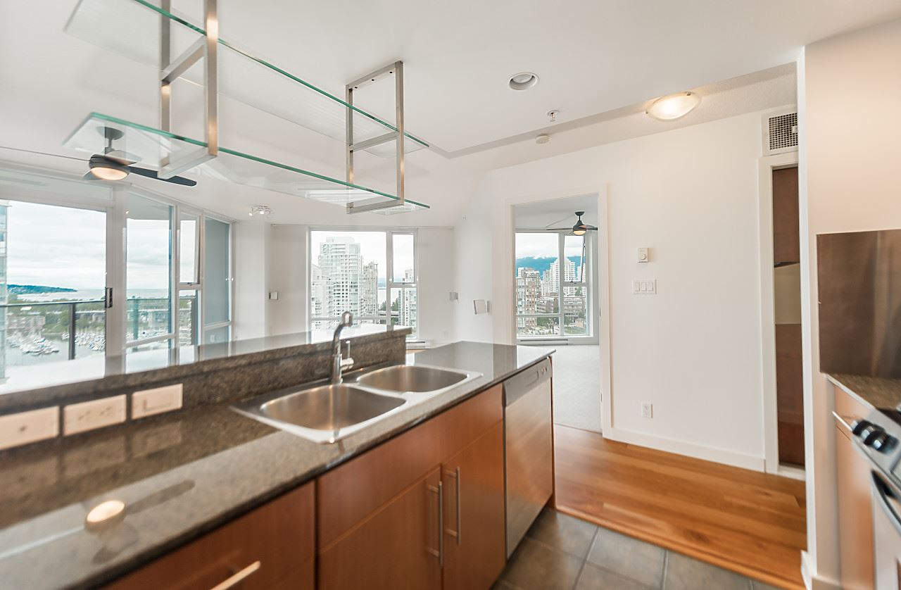 "Photo 9: 2302 583 BEACH Crescent in Vancouver: Yaletown Condo for sale in ""Park West 2 Yaletown"" (Vancouver West)  : MLS(r) # R2179212"