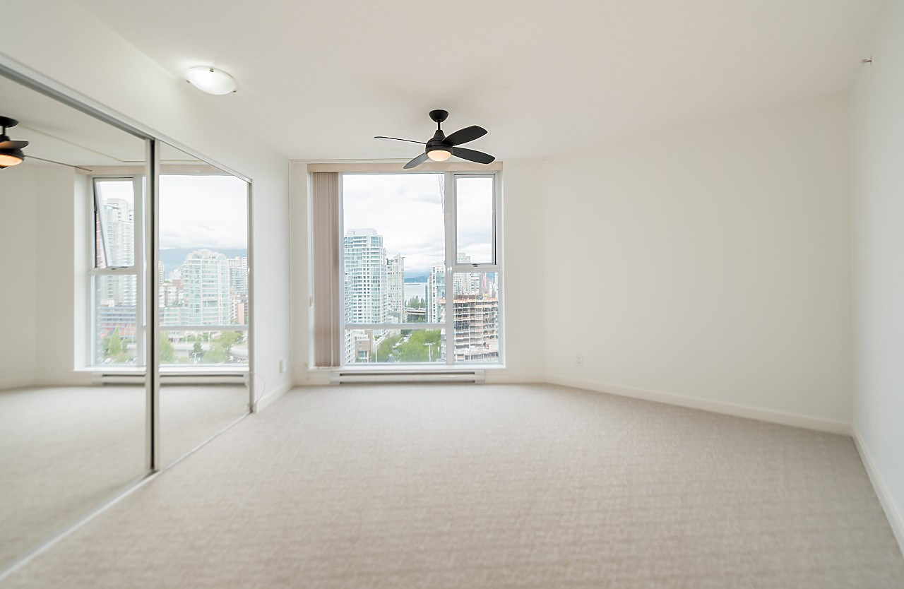 "Photo 15: 2302 583 BEACH Crescent in Vancouver: Yaletown Condo for sale in ""Park West 2 Yaletown"" (Vancouver West)  : MLS(r) # R2179212"