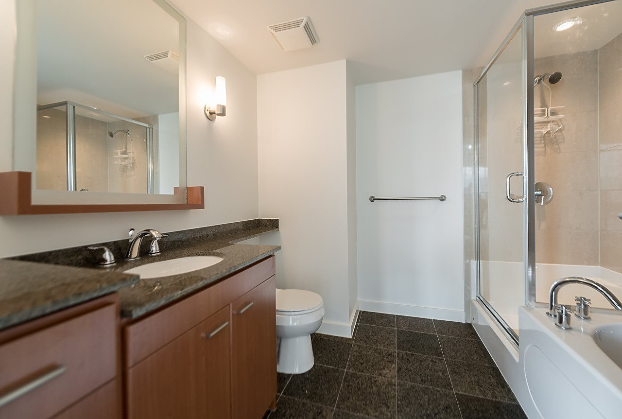 "Photo 17: 2302 583 BEACH Crescent in Vancouver: Yaletown Condo for sale in ""Park West 2 Yaletown"" (Vancouver West)  : MLS(r) # R2179212"