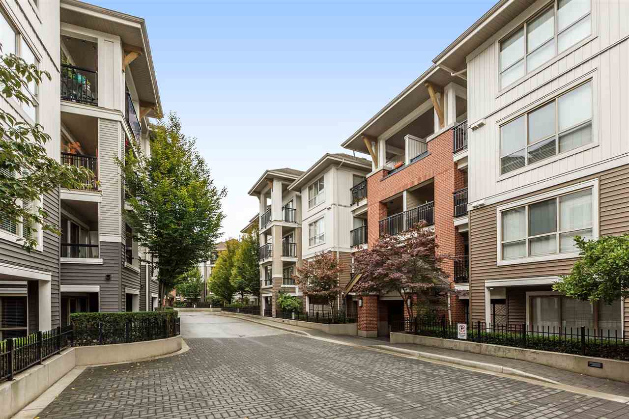 Main Photo: C201 8929 202 Street in Langley: Walnut Grove Condo for sale : MLS(r) # R2179351