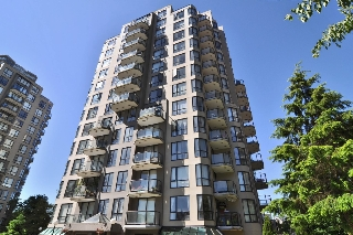 "Main Photo: 1007 838 AGNES Street in New Westminster: Downtown NW Condo for sale in ""WESTMINSTER TOWERS"" : MLS®# R2181022"