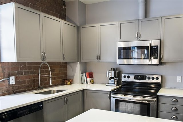 Photo 7: 90 Sherbourne St Unit #201 in Toronto: Moss Park Condo for sale (Toronto C08)  : MLS® # C3871090