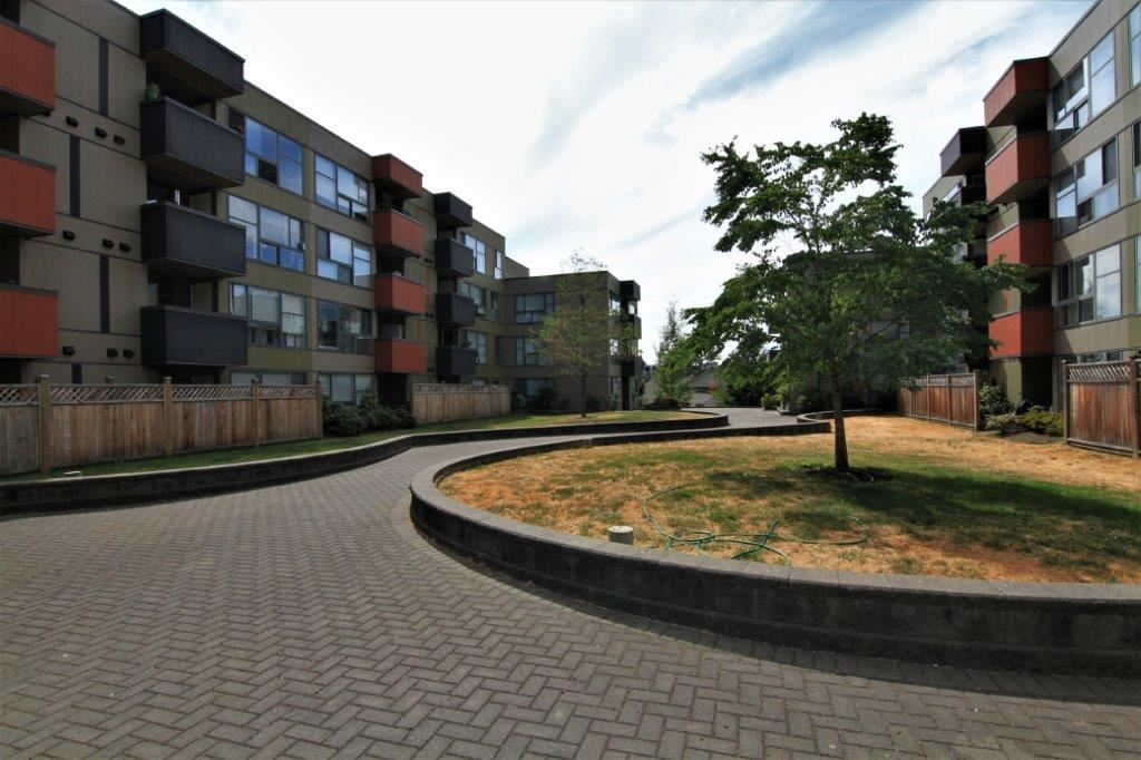 "Main Photo: 410 12075 228TH Street in Maple Ridge: East Central Condo for sale in ""RIO GRANDE"" : MLS®# R2192665"
