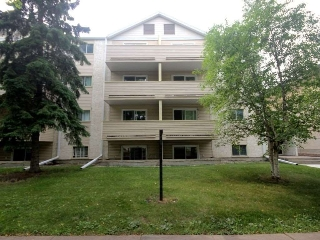 Main Photo:  in Edmonton: Zone 12 Condo for sale : MLS® # E4076299