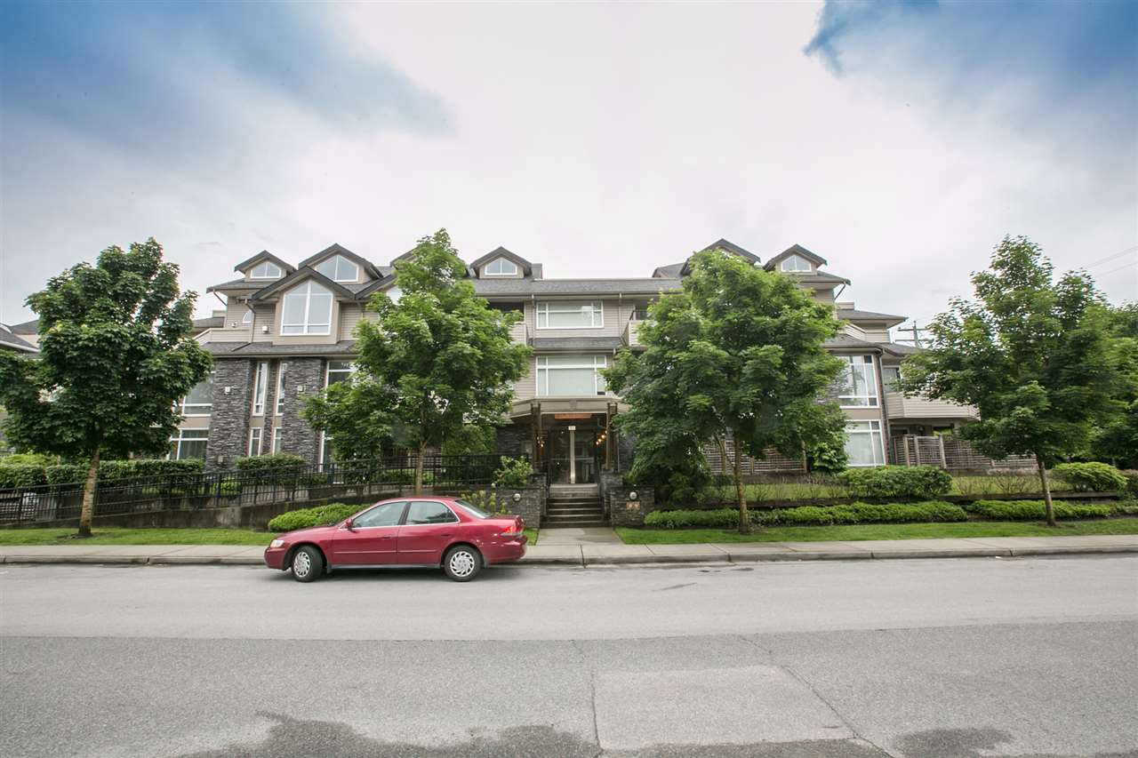 "Main Photo: 103 3150 VINCENT Street in Port Coquitlam: Glenwood PQ Condo for sale in ""THE BREYERTON"" : MLS® # R2195003"