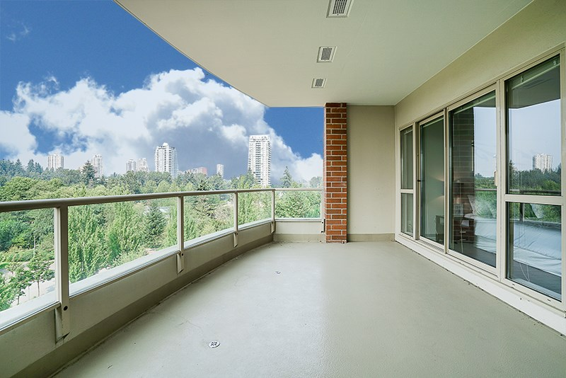 "Photo 13: 802 6838 STATION HILL Drive in Burnaby: South Slope Condo for sale in ""BELGRAVIA"" (Burnaby South)  : MLS® # R2196432"