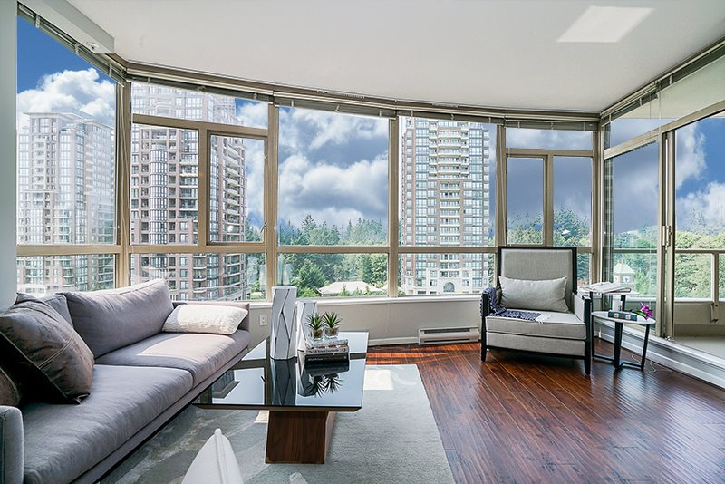 "Photo 2: 802 6838 STATION HILL Drive in Burnaby: South Slope Condo for sale in ""BELGRAVIA"" (Burnaby South)  : MLS® # R2196432"