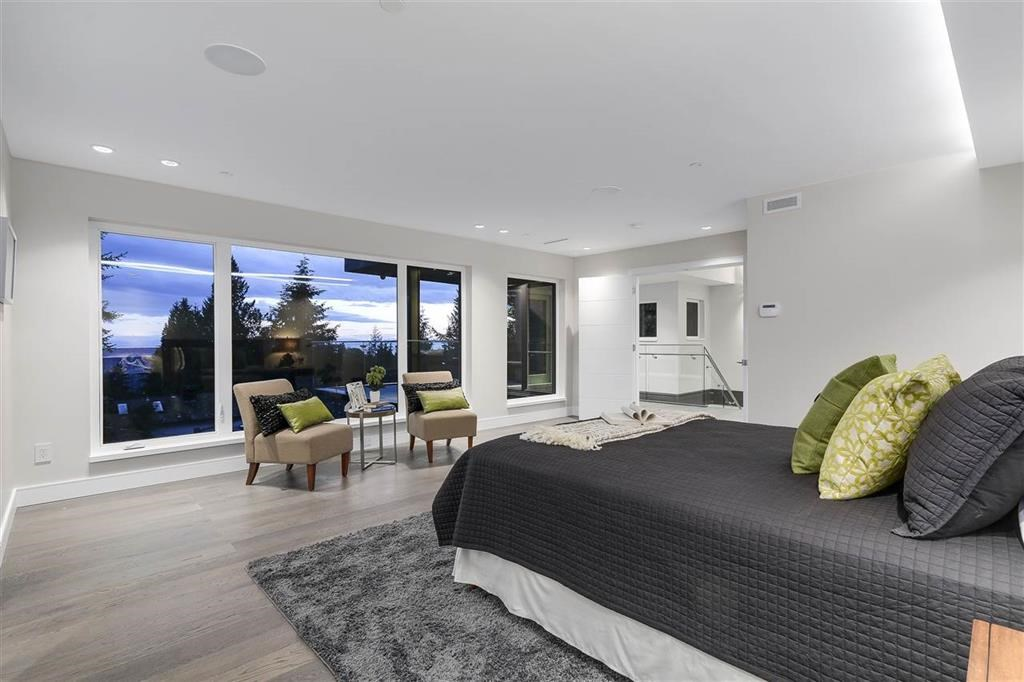 Photo 15: Photos: 505 VENTURA Crescent in North Vancouver: Upper Delbrook House for sale : MLS® # R2204395