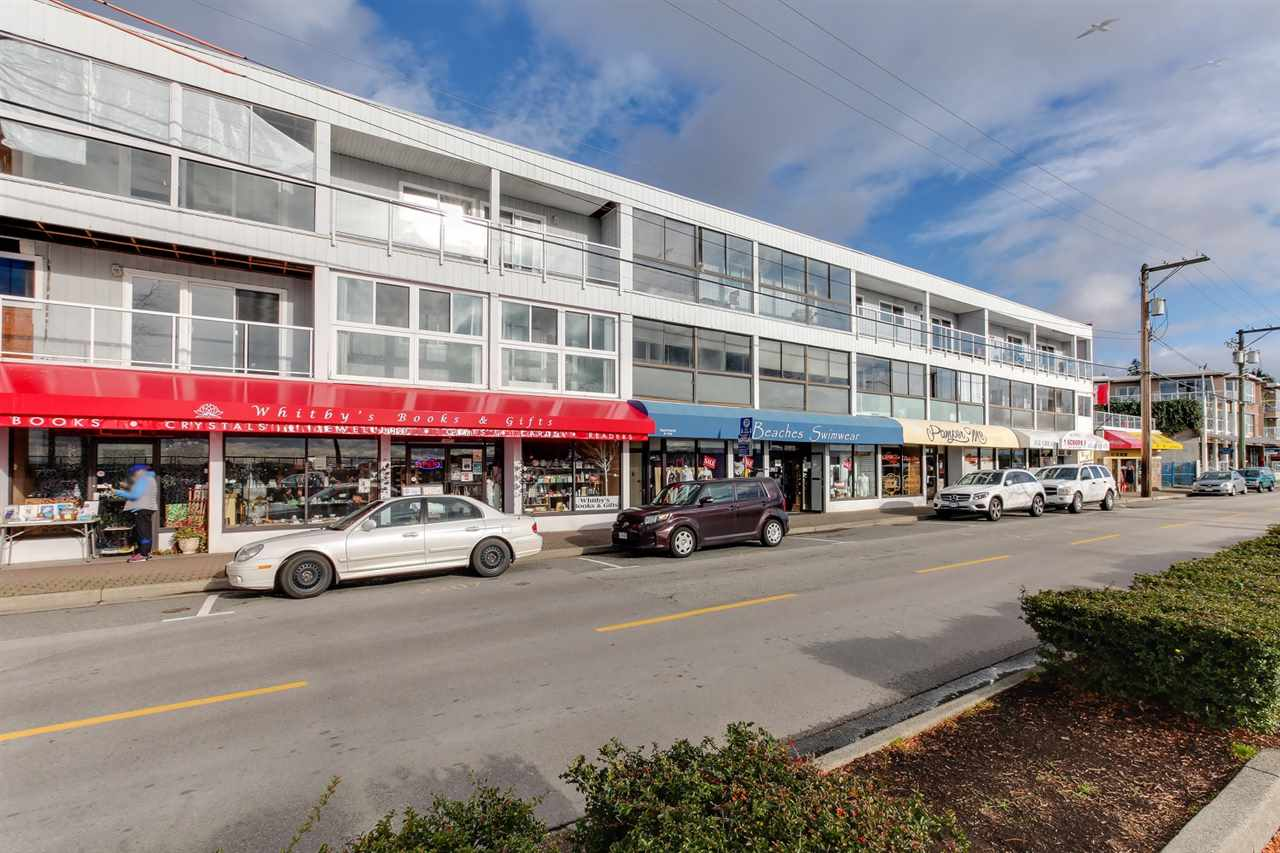 "Main Photo: 107 14881 MARINE Drive: White Rock Condo for sale in ""DRIFTWOOD ARMS"" (South Surrey White Rock)  : MLS®# R2222766"
