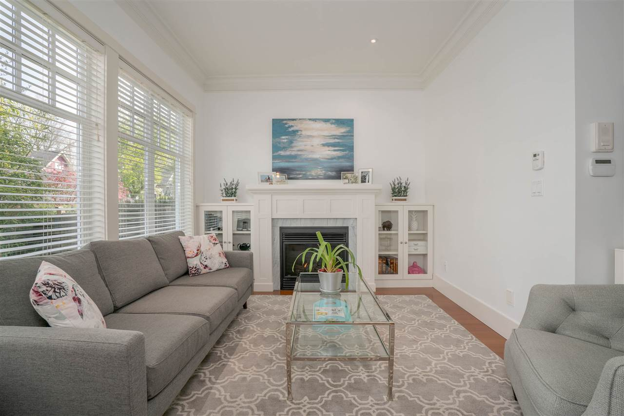 "Main Photo: 405 W 16TH Avenue in Vancouver: Mount Pleasant VW House 1/2 Duplex for sale in ""HERITAGE AT CAMBIE VILLAGE"" (Vancouver West)  : MLS®# R2261696"