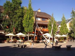 "Main Photo: 220 4220 GATEWAY Drive in Whistler: Whistler Village Condo for sale in ""BLACKCOMB LODGE"" : MLS®# R2271460"
