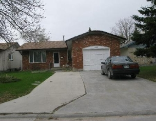 Main Photo: 262 MAHONEE DR in WINNIPEG: Residential for sale (Sun Valley)  : MLS® # 2908558