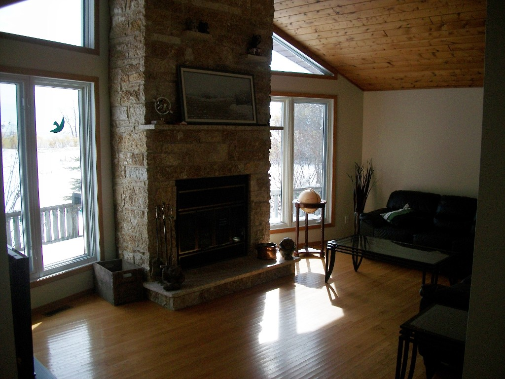 Photo 5: 37 Brayden Drive in Arnes: Silver Harbour Single Family Detached for sale (Gimli)  : MLS(r) # 1302368