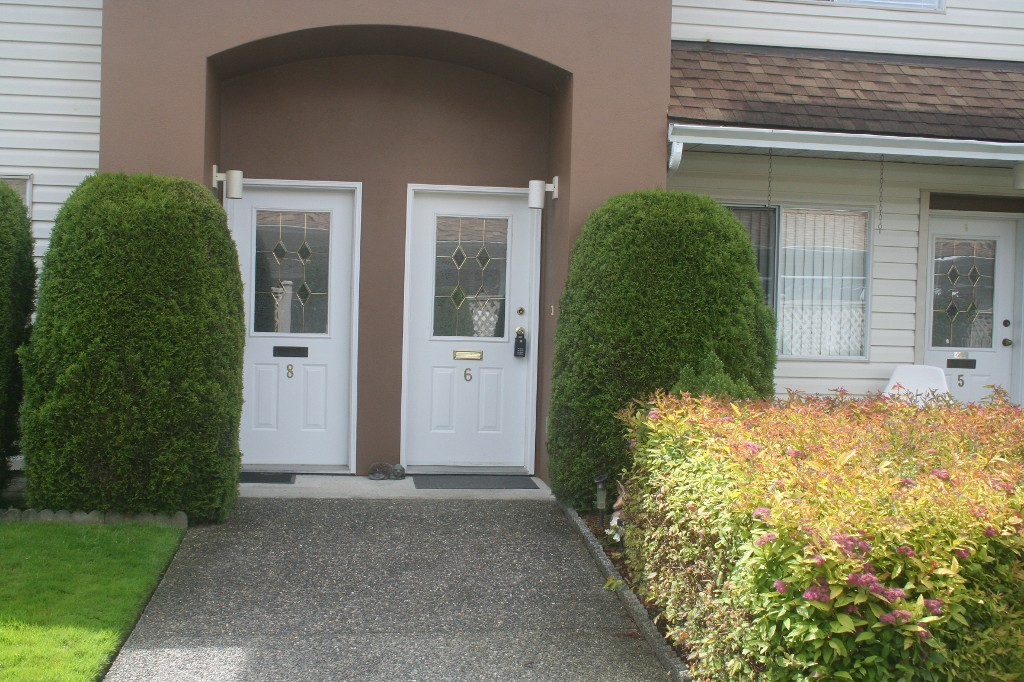 Main Photo: 6 46350 CESSNA Drive in Chilliwack: Condo for sale : MLS® # H1304487