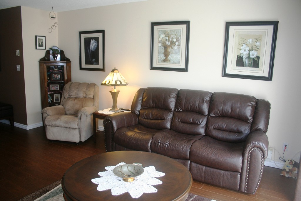 Photo 3: 6 46350 CESSNA Drive in Chilliwack: Condo for sale : MLS® # H1304487