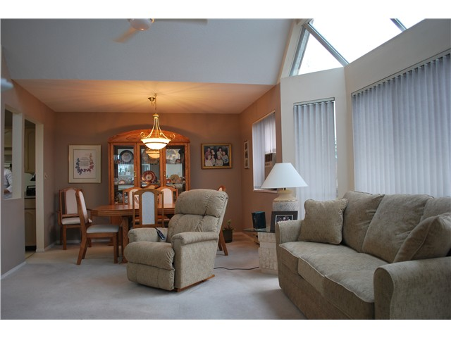 "Photo 5: 305 8600 LANSDOWNE Road in Richmond: Brighouse Condo for sale in ""TIFFANY GARDENS"" : MLS(r) # V1051180"
