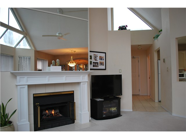 "Photo 3: 305 8600 LANSDOWNE Road in Richmond: Brighouse Condo for sale in ""TIFFANY GARDENS"" : MLS(r) # V1051180"