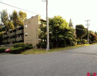 "Main Photo: 307 33400 BOURQUIN PL in Abbotsford: Central Abbotsford Condo for sale in ""Bakerview"" : MLS(r) # F2614097"