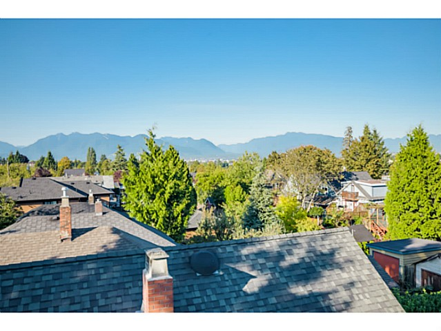 "Photo 18: 363 E 30TH Avenue in Vancouver: Main House for sale in ""MAIN STREET"" (Vancouver East)  : MLS® # V1085412"