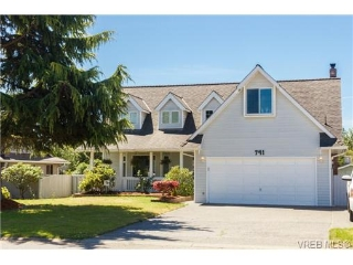Main Photo: 741 Paskin Way in VICTORIA: SW Royal Oak Single Family Detached for sale (Saanich West)  : MLS®# 353164