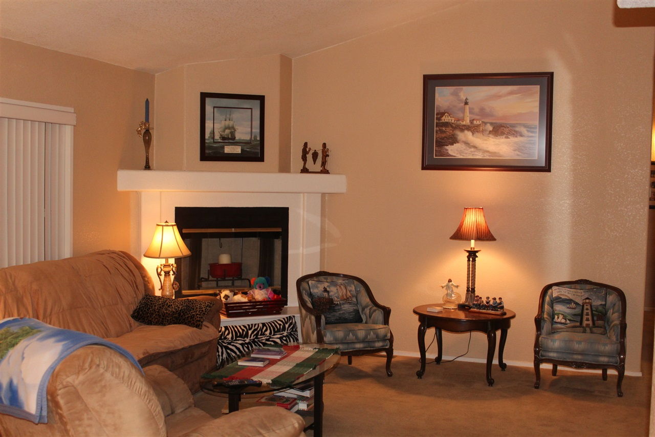 Photo 2: CARLSBAD SOUTH Manufactured Home for sale : 3 bedrooms : 7122 San Bartolo #1 in Carlsbad