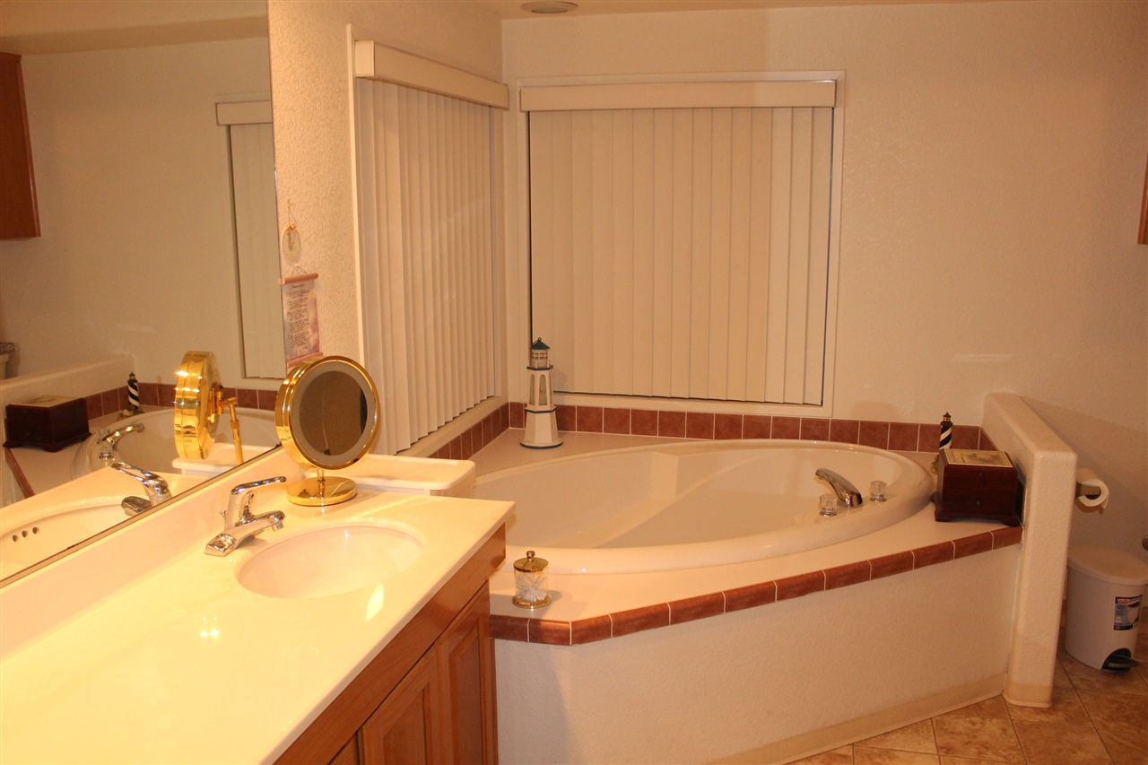 Photo 10: CARLSBAD SOUTH Manufactured Home for sale : 3 bedrooms : 7122 San Bartolo #1 in Carlsbad