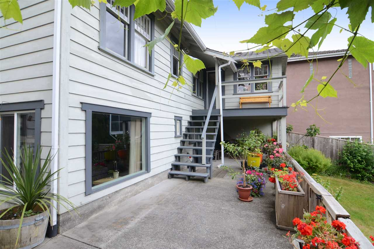 Photo 15: 4562 MARINE Drive in Burnaby: Big Bend House for sale (Burnaby South)  : MLS® # R2074382