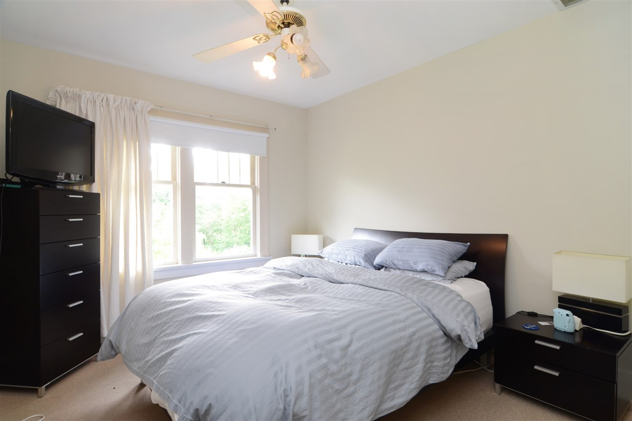 Photo 9: 4562 MARINE Drive in Burnaby: Big Bend House for sale (Burnaby South)  : MLS® # R2074382