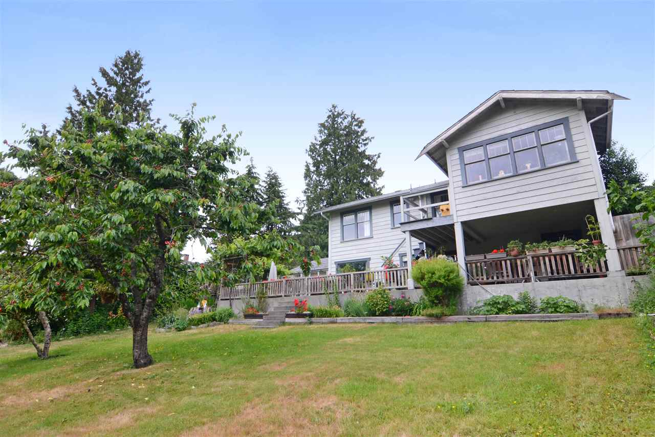 Photo 16: 4562 MARINE Drive in Burnaby: Big Bend House for sale (Burnaby South)  : MLS® # R2074382