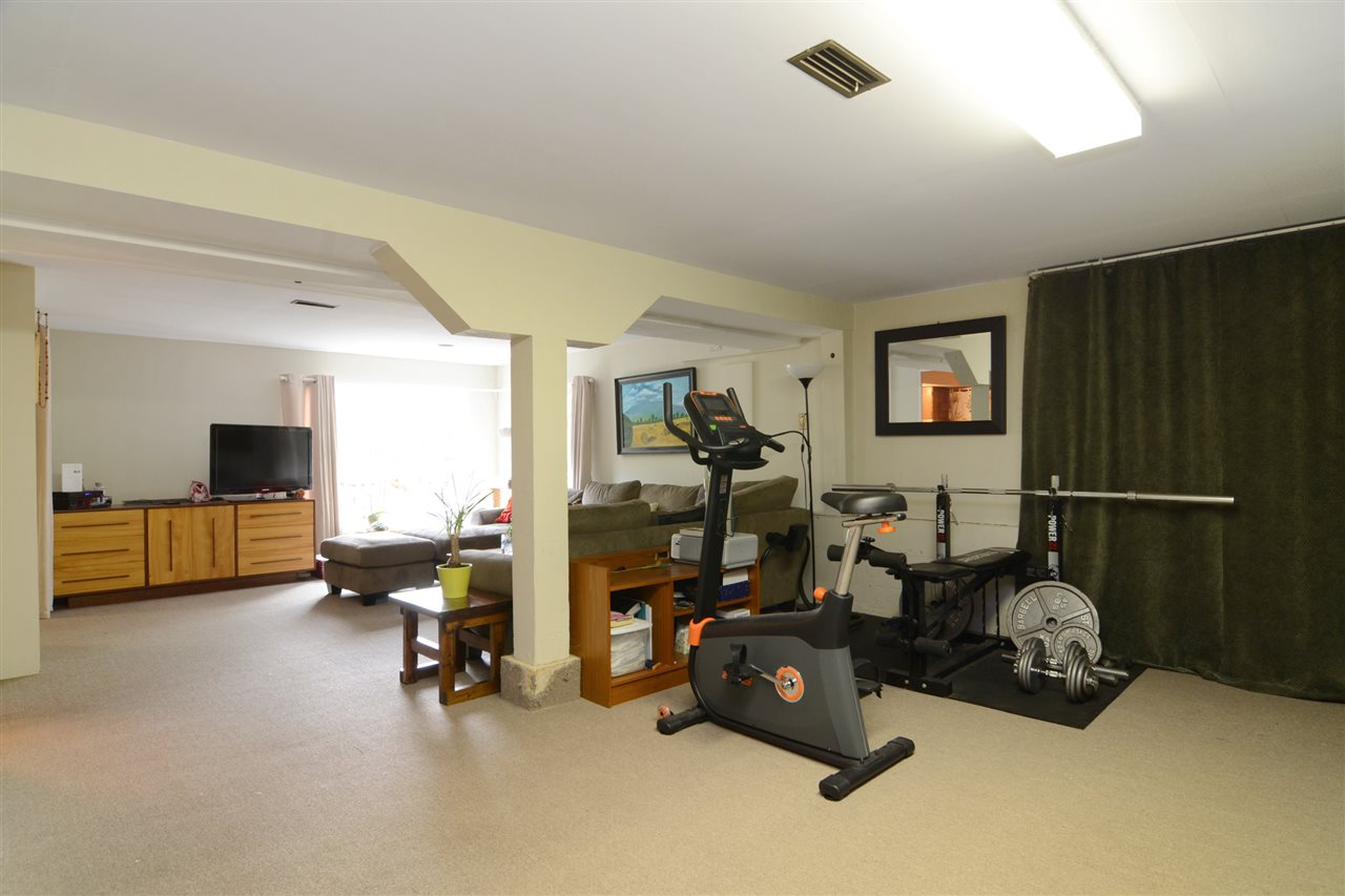 Photo 12: 4562 MARINE Drive in Burnaby: Big Bend House for sale (Burnaby South)  : MLS® # R2074382