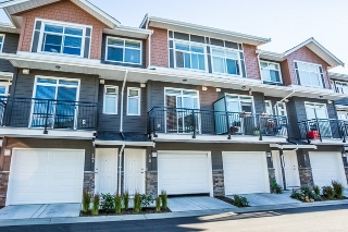 "Main Photo: 18 11461 236 Street in Maple Ridge: Cottonwood MR Townhouse for sale in ""TWO BIRDS"" : MLS(r) # R2103720"