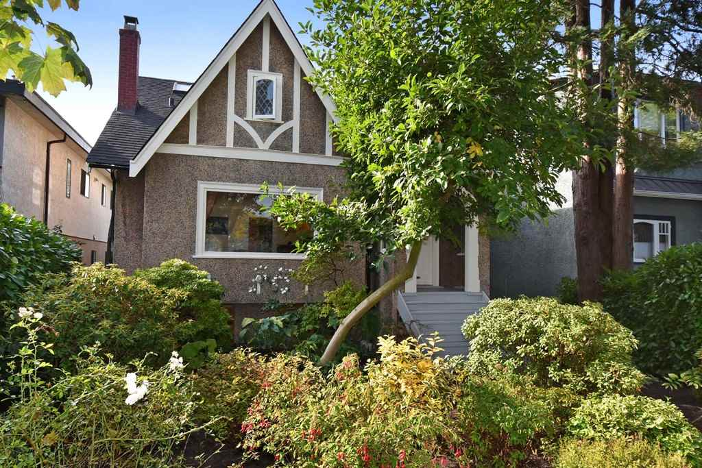 "Main Photo: 358 E 45TH Avenue in Vancouver: Main House for sale in ""MAIN"" (Vancouver East)  : MLS(r) # R2109556"
