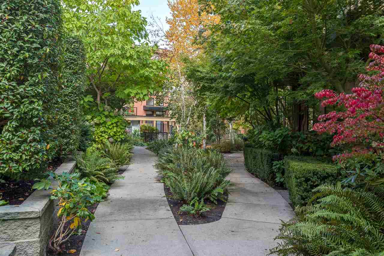 "Photo 19: 125 1863 STAINSBURY Avenue in Vancouver: Victoria VE Townhouse for sale in ""THE WORKS"" (Vancouver East)  : MLS® # R2115420"