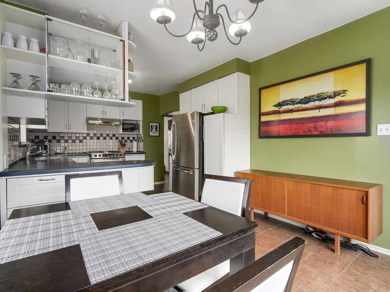 Photo 10: 3114 TURNER Street in Vancouver: Renfrew VE House for sale (Vancouver East)  : MLS® # R2147724