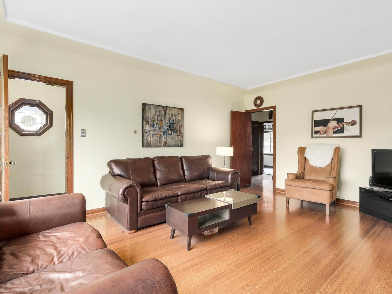 Photo 4: 3114 TURNER Street in Vancouver: Renfrew VE House for sale (Vancouver East)  : MLS® # R2147724