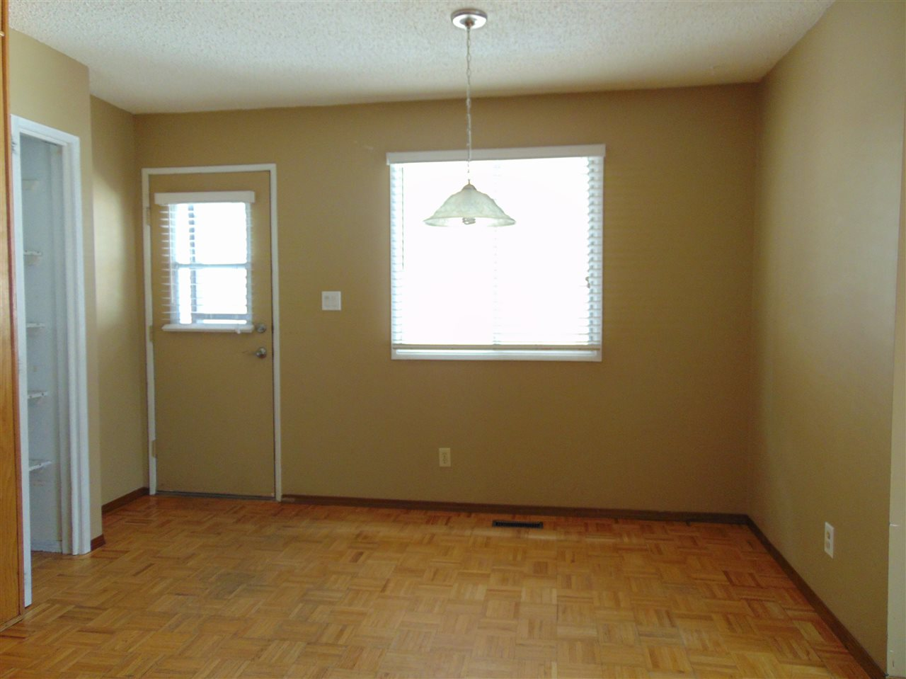 Photo 7: : Gibbons House for sale : MLS(r) # E4058419