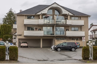 "Main Photo: 303 33887 MARSHALL Road in Abbotsford: Central Abbotsford Condo for sale in ""City Court"" : MLS(r) # R2154064"
