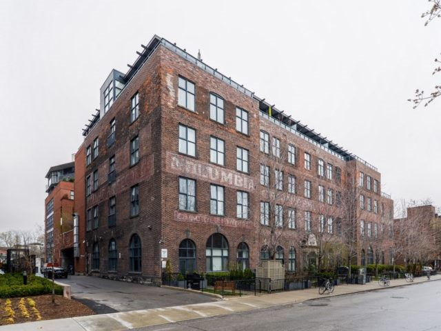 Main Photo: 104 369 Sorauren Avenue in Toronto: Roncesvalles Condo for sale (Toronto W01)  : MLS(r) # W3776907