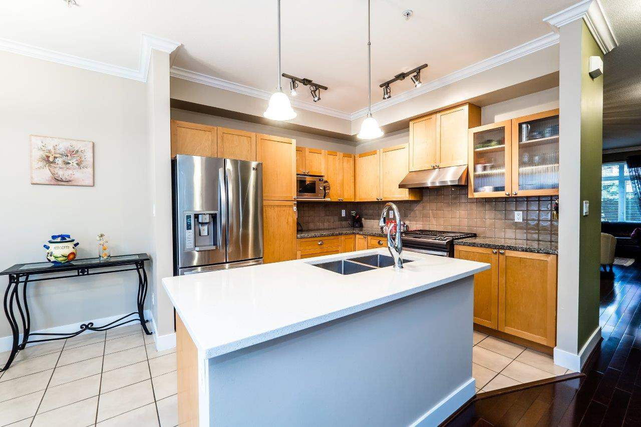Photo 8: 878 W 58 Avenue in Vancouver: South Cambie Townhouse for sale (Vancouver West)  : MLS® # R2162586