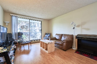 "Main Photo: 210 5500 COONEY Road in Richmond: Brighouse Condo for sale in ""LEXINGTON SQUARE"" : MLS(r) # R2164986"