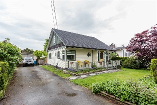 "Main Photo: 5665 RIVERSIDE Street in Abbotsford: Matsqui House for sale in ""MATSQUI VILLAGE"" : MLS(r) # R2166458"
