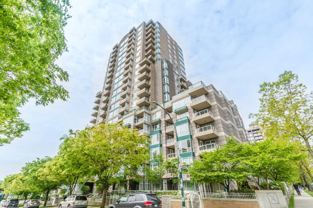 Main Photo: 605 5189 GASTON Street in Vancouver: Collingwood VE Condo for sale (Vancouver East)  : MLS(r) # R2167774