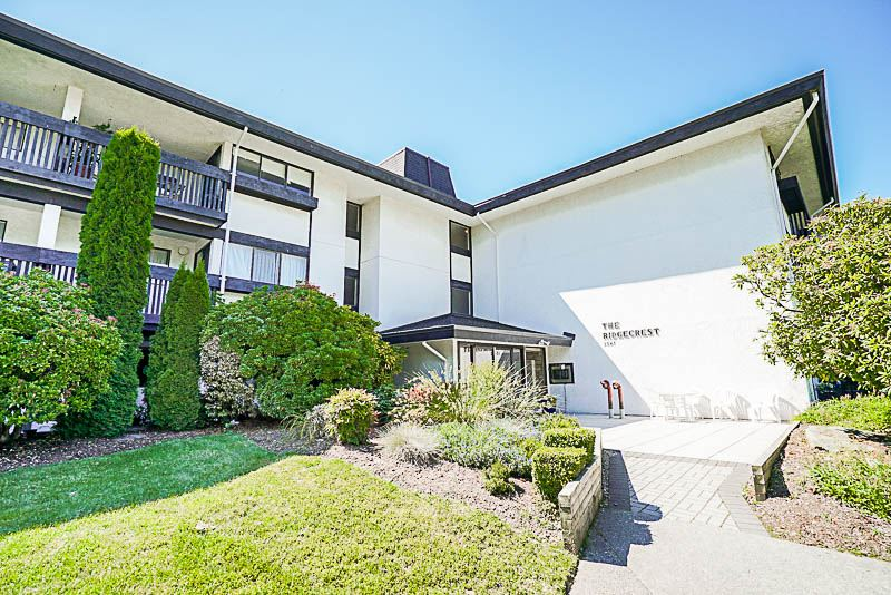 "Main Photo: 308 1561 VIDAL Street: White Rock Condo for sale in ""The Ridgecrest"" (South Surrey White Rock)  : MLS®# R2180230"