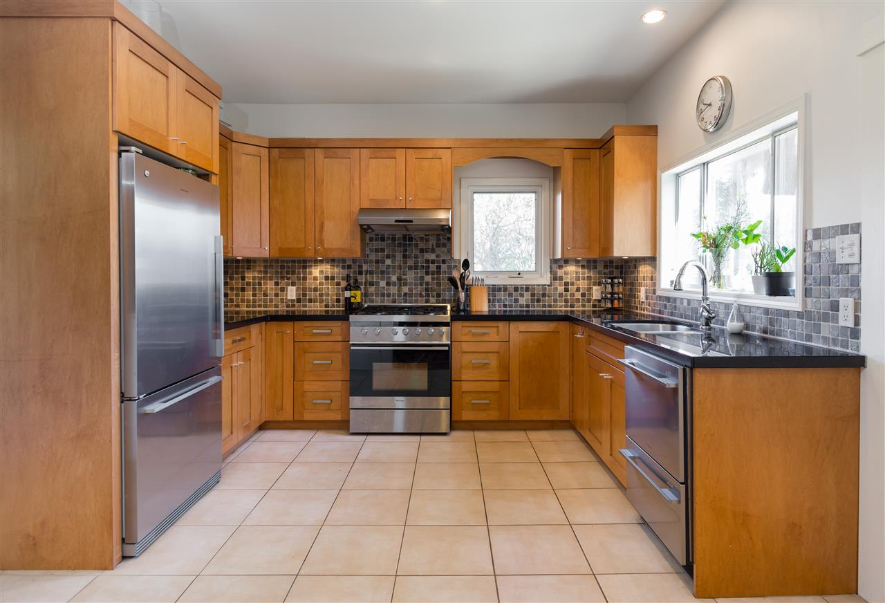Photo 5: 3400 INVERNESS STREET in Vancouver: Knight House for sale (Vancouver East)  : MLS® # R2154358
